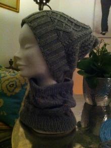 Mütze aus einem handgesponnenem Schurwollgarn, Cowl aus Rowan Yorkshire Tweed